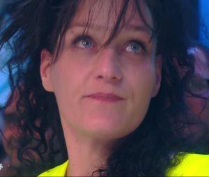 "Cyril Hanouna rencontre une SDF relogée grâce à son single ""Petit Baba Noël"""
