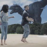 Zenfone 3, aliens et dinosaures : le cocktail publicitaire inattendu d'Asus