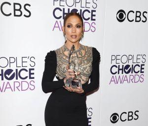 Jennifer Lopez aux People's Choice Awards 2017 le 18 janvier