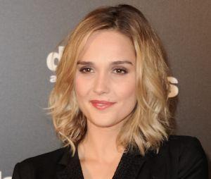 Camille Lou (Danse avec les stars 7) n'est plus blonde, elle est redevenue brune.