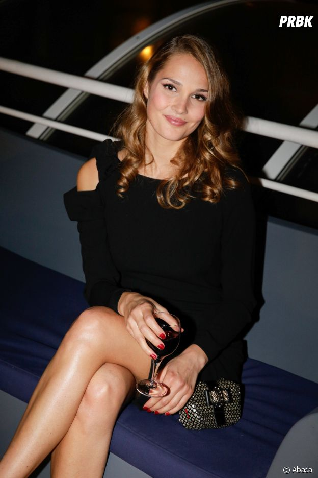 Camille Lou (Danse avec les stars 7) : avant d'être blonde, elle était déjà brune.