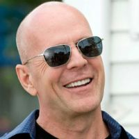 Les Gorillaz ... Stylo ... leur nouveau clip avec ... Bruce Willis !