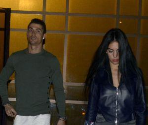Cristiano Ronaldo bientôt de nouveau papa ? Le footballeur qui sort avec Georgina aurait fait appel à une mère porteuse.