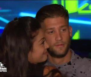 Paga (Les Marseillais South America) embrasse Manon après leur rupture