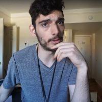 Accusé d'avoir une bombe, un Youtubeur se fait évacuer d'un avion... et bannir de Twitch