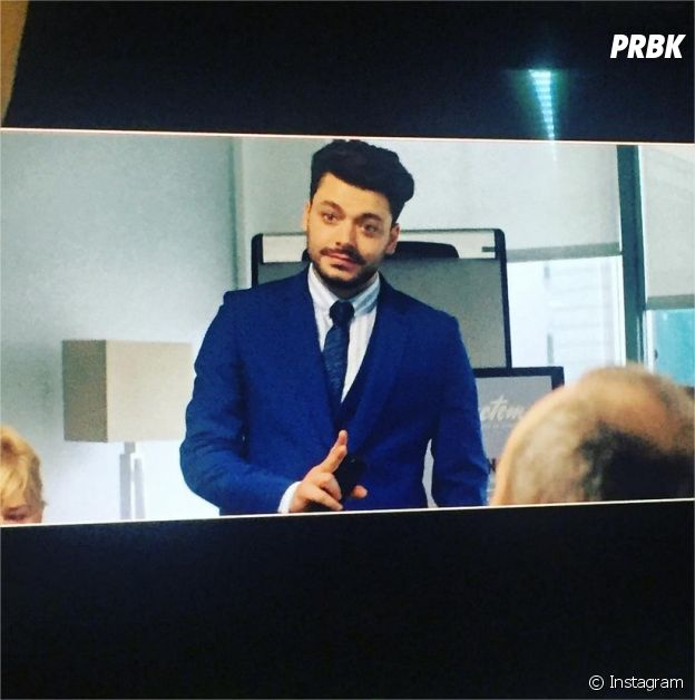 Kev Adams change de look pour le tournage du film Love Addict