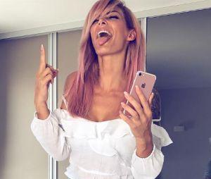 Emilie Nef Naf se teint les cheveux en rose : la métamorphose en photo !
