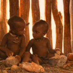 Bébés ... bande-annonce du film-docu consacré aux nouveaux-nés