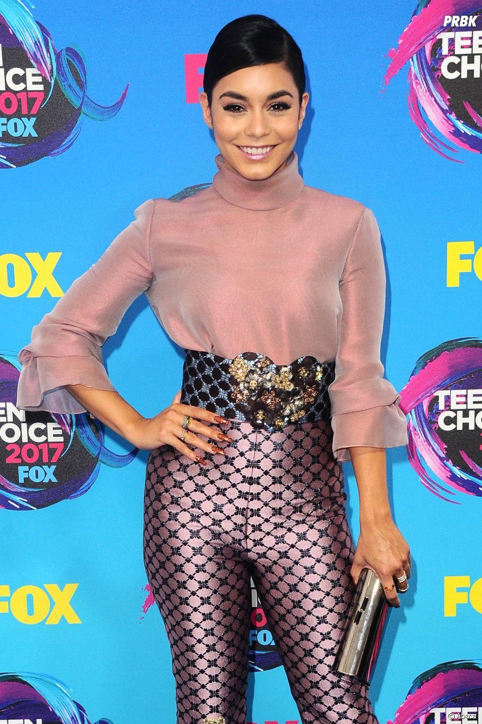 Vanessa Hudgens aux Teen Choice Awards le 13 août 2017