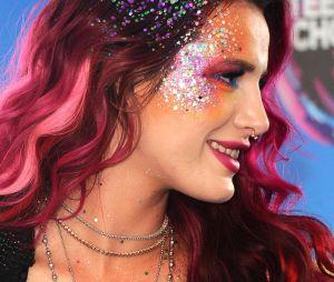 Bella Thorne pailletée aux Teen Choice Awards le 13 août 2017
