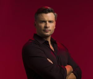 Tom Welling dans Lucifer