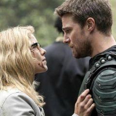 """Arrow saison 6 : Oliver et Felicity ? """"Ils sont amoureux l'un de l'autre"""""""