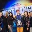 Just Dance World Cup 2018 : Jordan Boury gagnant entouré du jury et des animateurs