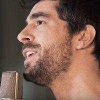 """Agustin Galiana : écoutez """"Carmina"""", sa chanson en hommage à sa grand-mère"""