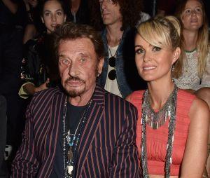 """Johnny Hallyday mort : Laeticia est """"effondrée, abandonnée, terrassée"""""""