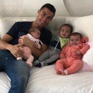 Cristiano Ronaldo pose avec ses enfants : la photo ultra craquante