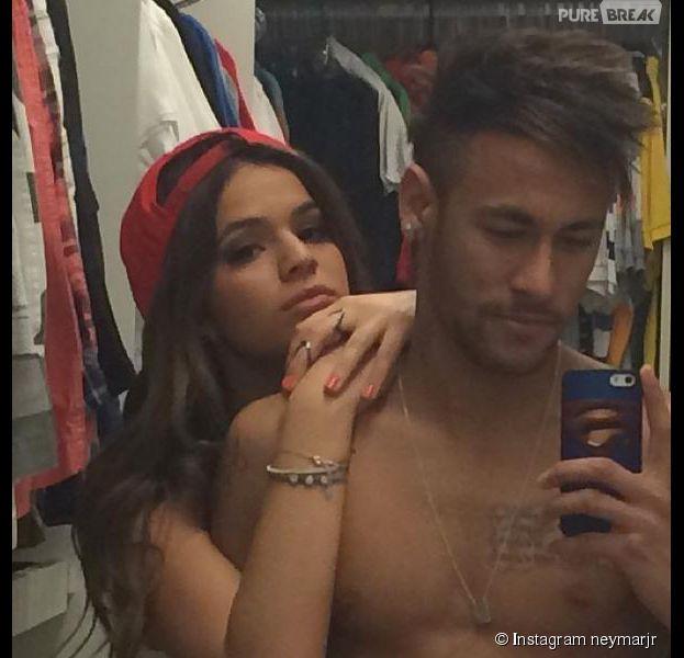 Neymar et Bruna Marquezine en mode selfie sur Instagram après une victoire du Brésil au Mondial 2014