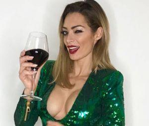 Emilie Nef Naf sexy : son décolleté XXL crée le buzz, elle réagit avec humour !