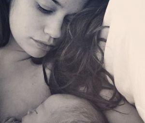 Lucie Lucas (Clem) maman : l'actrice a accouché de son troisième enfant, elle le dévoile en photo.