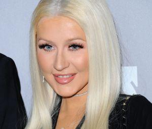 Christina Aguilera prend la poste pour Paper Magazine