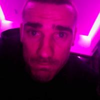 Antoine Griezmann : finies les coupes de cheveux improbables ? Il s'est rasé les cheveux !