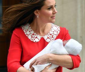Kate Middleton et le Prince William présentent leur fils à Londres le 23 avril 2018
