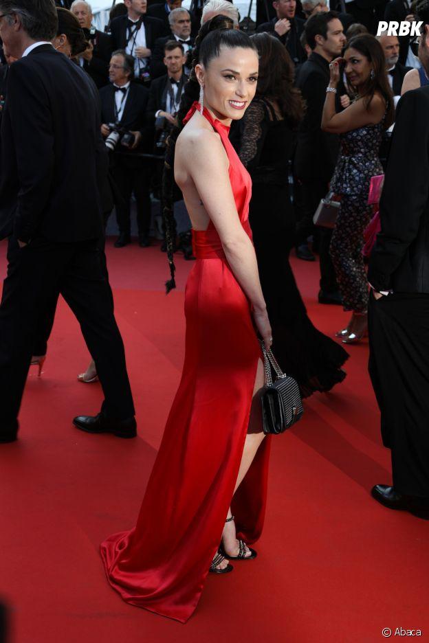 Festival de Cannes 2018 : Loana, Caroline Receveur, Capucine Anav... Les people ont fait la montée des marches pour le film Les Filles du Soleil avant de se rendre à la soirée Orange.
