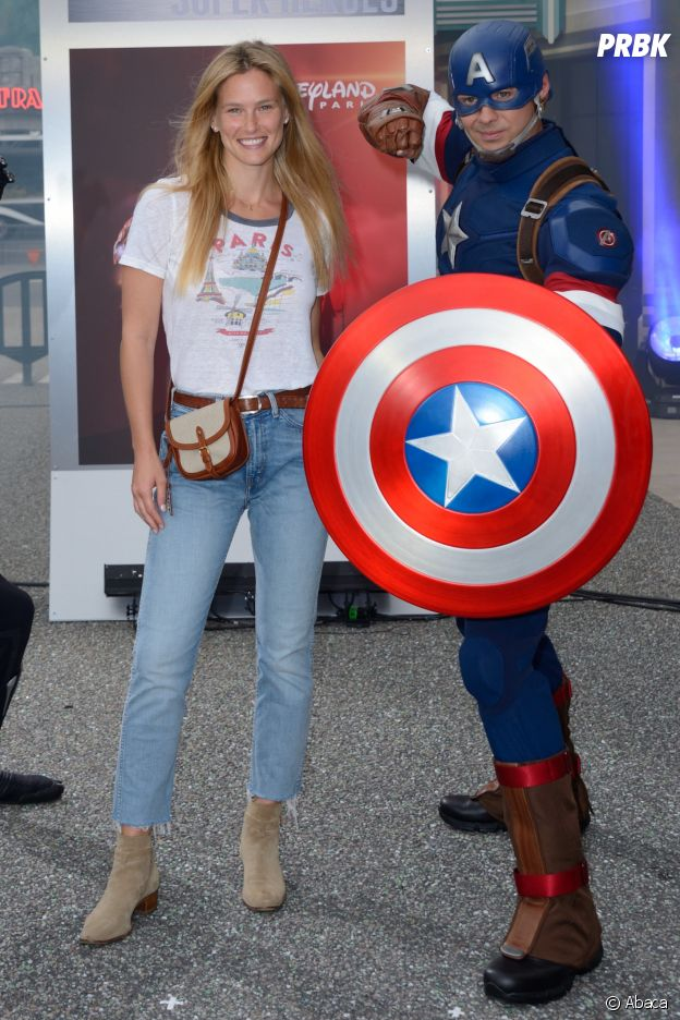 Bar Rafaeli présente au lancement de Marvel Summer of Super Heroes à Disneyland Paris ce samedi 9 juin 2018