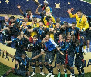Coupe du monde 2018 : Cyril Hanouna, Kev Adams, Louane... les stars fêtent la victoire des Bleus