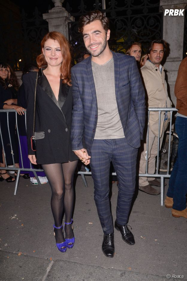 Elodie Frégé et le Bachelor Marco officialisent au défilé Etam.