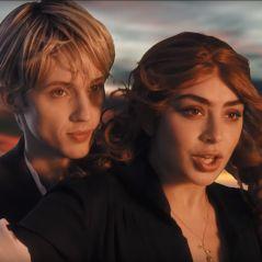 """Clip """"1999"""" : Charli XCX et Troye Sivan multiplient les références et c'est GÉNIAL ❤"""