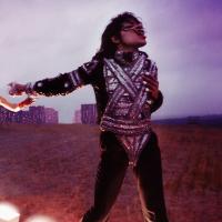 """Michael Jackson : l'expo """"On the Wall"""" au Grand Palais  va réveiller le fan qui sommeille en vous"""