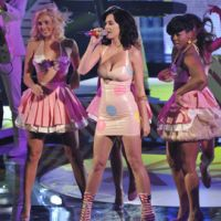Photos ... Katy Perry invitée sur X Factor en Italie