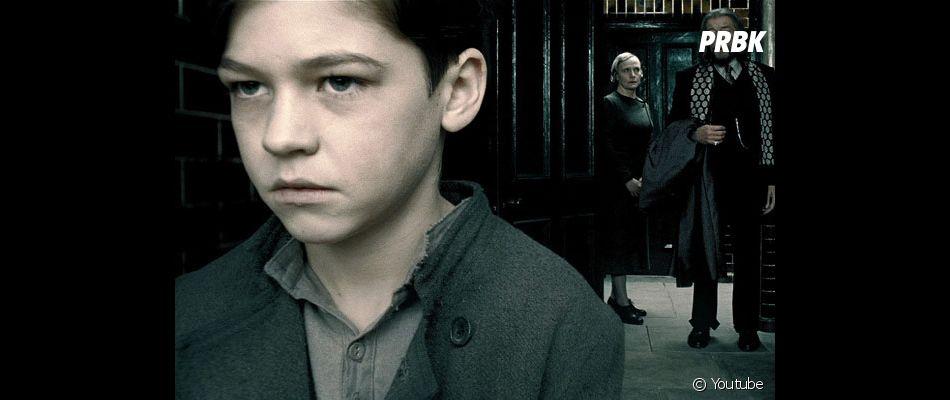 Hero Fiennes Tiffin (After, le film) a joué dans Harry Potter et le Prince de sans-mêlé