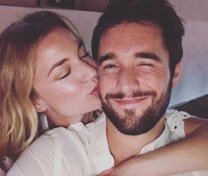Emily VanCamp et Josh Bowman sont mariés