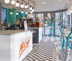 McDonald's change de déco et passe en mode vintage pour l'un de ses restos parisien