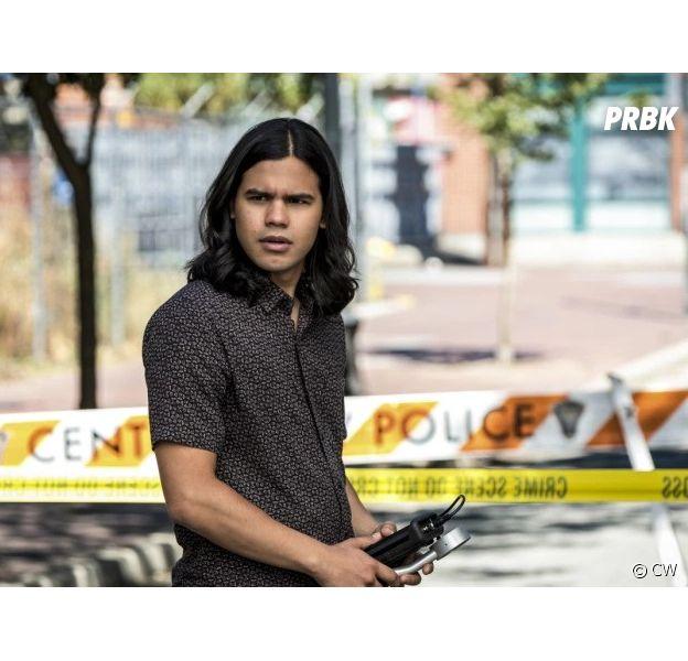 The Flash saison 5 : Carlos Valdes (Cisco) quitte la série ?