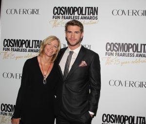 Ces stars qui posent avec leur famille sur un tapis rouge : Liam Hemsworth et sa mère Leonie
