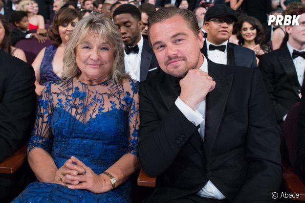 Ces stars qui posent avec leur famille sur un tapis rouge : Leonardo DiCaprio et sa mère Irmelin