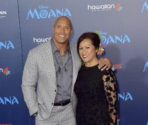 Ces stars qui posent avec leur famille sur un tapis rouge : Dwayne Johnson et sa mère Ata