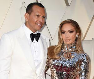 Jennifer Lopez fiancée et trompée par Alex Rodriguez ? Un ancien coéquipier l'accuse publiquement