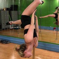 Lili Reinhart pro de la pole dance : la star de Riverdale montre ses talents face à JLo et Cardi B