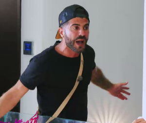 Thomas (Les Anges 11) s'emporte contre Hillary et Jelena après le départ de Raphaël (EXCLU VIDEO)