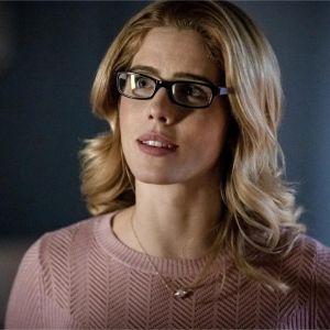 Arrow saison 8 : Felicity de retour dans le dernier épisode ? Emily Bett Rickards répond