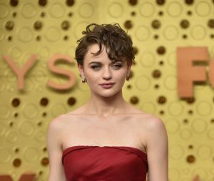 Joey King sur le tapis rouge des Emmy Awards 2019