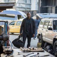 Arrow saison 8 : Roy de retour, premières images de sa nouvelle vie dévoilées