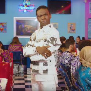 """Azize Diabaté : après la comédie et la danse, il se lance dans la musique avec """"Tourner la page"""""""