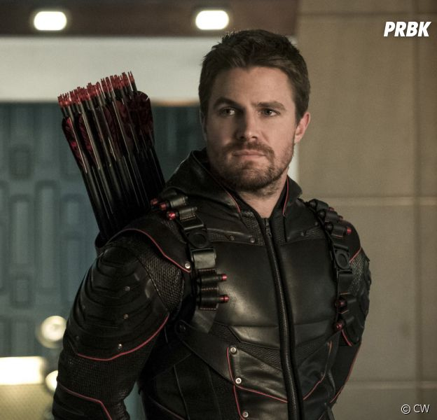 Arrow saison 8 : pourquoi Stephen Amell a accepté de jouer dans les derniers épisodes ? Sa raison décevante