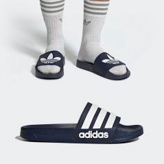 adidas cartonne avec ses claquettes pendant le confinement : 5 paires colorées pour changer un peu