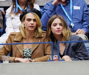 Ashley Benson a été en couple avec Cara Delevingne